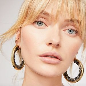 Free People resin and gold hoops